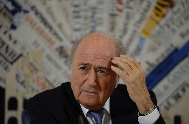 Экс-главу ФИФА Блаттера и его помощников обвиняют в присовении 80 миллионов долларов