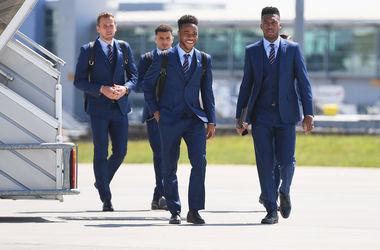 Сборная Англии из Лондона отправилась на Евро-2016
