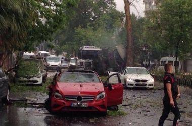 В Стамбуле прогремел взрыв у автобусной остановки