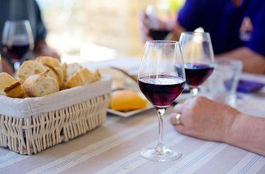 Вино из Франции резко подорожало