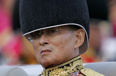 Король Таиланда перенес серьезную операцию