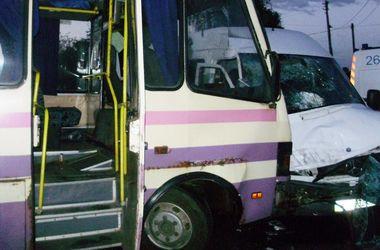 Под Киевом пьяный водитель протаранил маршрутку, есть пострадавшие