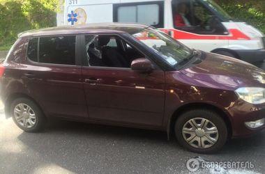 В Киеве со стрельбой ограбили водителя легковушки