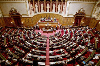 Сенат Франции проголосовал за резолюцию о смягчении санкций против РФ