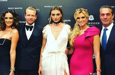 27-летняя украинская модель в прозрачном наряде блеснула грудью на вечеринке миллиардера (фото)