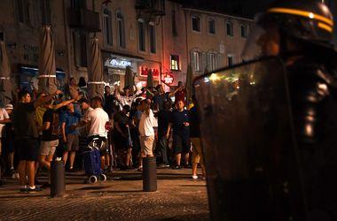 Английские фанаты устроили беспорядки в Марселе