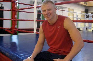 Украинец Кучер нокаутировал соперника в первом раунде и завоевал титул чемпиона Европы по версии EBU