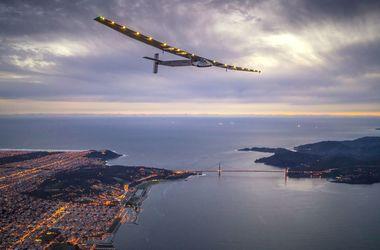 Самолет на солнечных батареях приземлился в Нью-Йорке