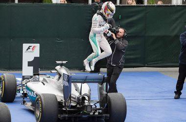 Льюис Хэмилтон выиграл Гран-при Канады