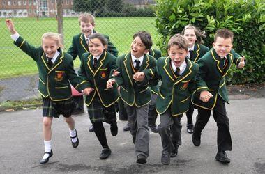 В британских школах мальчикам разрешили носить юбки