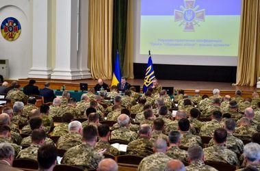 Россия ведет войну против Украины не только на Донбассе - Порошенко