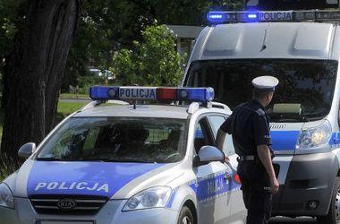 В Польше мужчина взял в заложники двух человек и угрожает взорвать дом