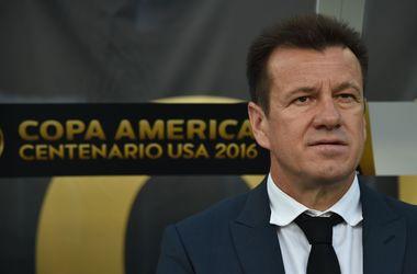 Дунга уволен с поста главного тренера сборной Бразилии по футболу