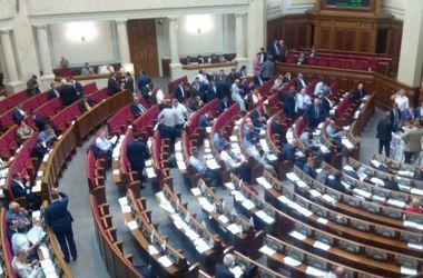 Депутаты разрываются между работой и футболом: чартеры в Лион, визит Холодницкого и ультиматум НФ
