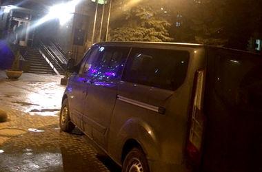 Детективы НАБУ, которые проводят обыск в производстве по зампрокурора Колеснику, заблокированы неизвестными