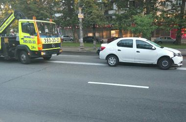 В Киеве легковушка насмерть сбила пешехода на переходе