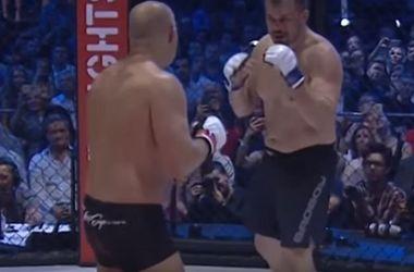 Российский боец смешанных единоборств Федор Емельяненко победил по очкам Фабио Мальдонадо