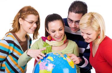 Украинцы массово мечтают о работе за границей