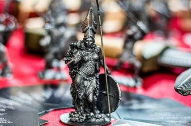 В Харькове рыцари и боги ожили в металле