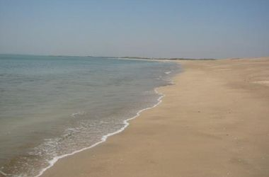 Летний Крым: пустые пляжи и горы мусора