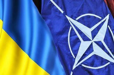 Саммит НАТО в Варшаве решит две ключевые задачи - глава представительства Альянса