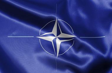 НАТО поможет Украине бороться с гибридной войной