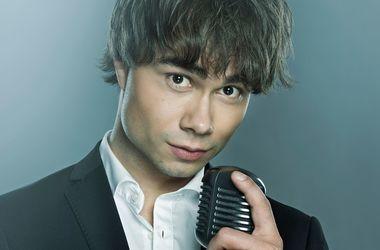Александр Рыбак впервые записал песню без скрипки (видео)