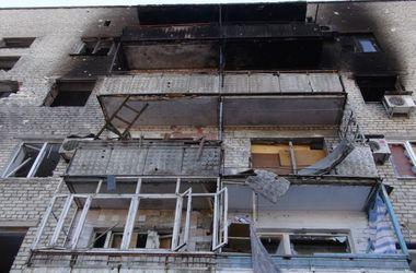 Неспокойная ночь в Донецке: город слушал залпы, а снаряды пробивали крышы