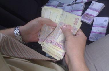 Под Киевом гендиректор госпредприятия требовал у подчиненных 40 тысяч гривен