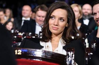 Татьяна Денисова блеснула грудью в пикантном наряде (фото)