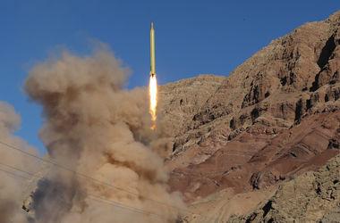 США запустили в космос ракету с военным спутником