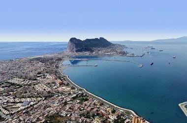 Испания собралась отнять Гибралтар у британцев
