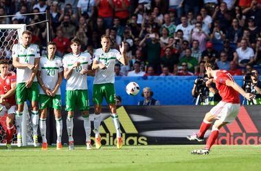 Евро-2016: яркие кадры с матча Уэльс - Северная Ирландия