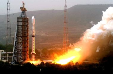 Китай успешно испытал космическую ракету