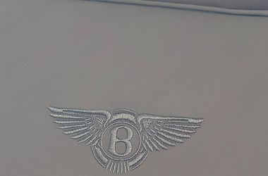 <p><span>Bentley. Фото: bentleymotors.com</span></p> <p><br /><br /></p>
