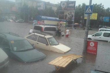 Ливни затопили Хмельницкий, Ровно и Каменец-Подольский