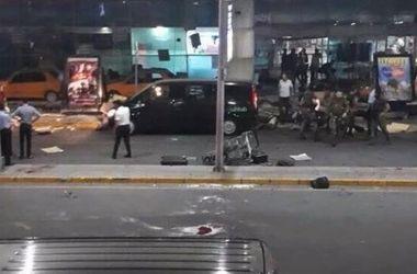 СМИ сообщают о 20 погибших в аэропорту Стамбула и более 100 раненых