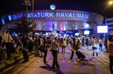 Стамбульский аэропорт возобновил работу