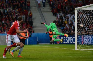 Евро-2016: яркие кадры матча Уэльс - Бельгия