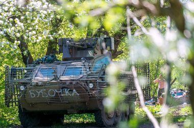 Боевики стреляют на всех направлениях - военные