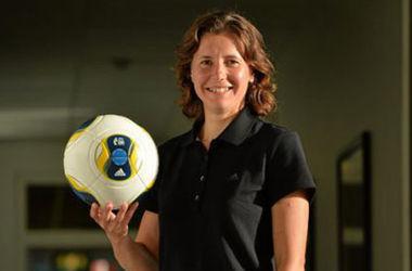 В ФИФА планируют вызвать на мужской чемпионат мира арбитра-женщину