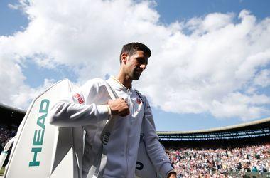 Первая ракетка мира Новак Джокович проиграл на Уимблдоне теннисисту из пятого десятка рейтинга