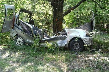 В ДТП в Хмельницкой области погибли 3 молодых парня
