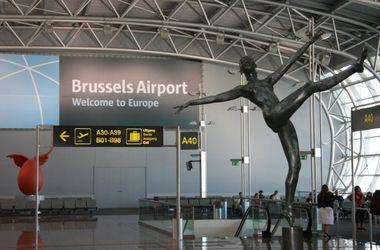 Аэропорт Брюсселя разрешил пассажирами провозить оружие