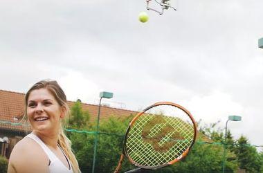 Дроны занялись тренировкой теннисистов