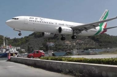 ТОП-5 сумасшедших приземлений в аэропортах мира