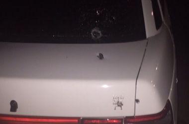Неизвестные обстреляли и бросили гранату в машину Кивы - МВД