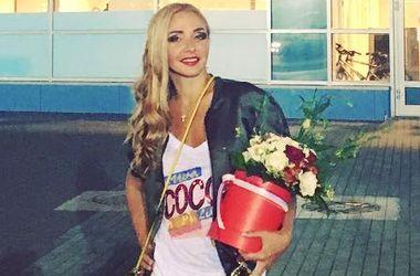 """Татьяну Навку раскритиковали за """"халат"""" на красной дорожке (фото)"""
