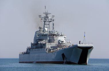 """Россияне разбирают украинские корабли на """"органы"""" для применения в Сирии – журналист"""