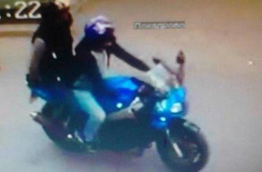 В Киеве арестовали одного из грабителей-мотоциклистов